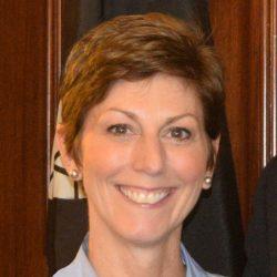 Maria Devlin Headshot